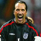 What car does footballer David Seaman drive?